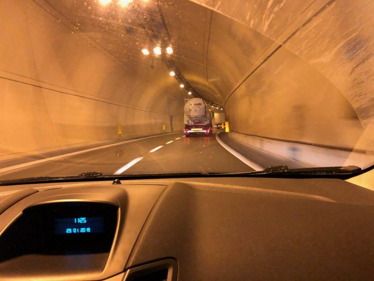 Driving through a tunnel on the way to Longariu